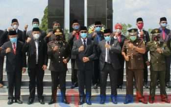 Pejabat Sementara (Pjs) Bupati Ogan Komering Ulu, Muhammad Zaki Aslam,S.IP, M.Si Menghadiri Acara Ziarah Nasional Dalam Rangka Memperingati Hari Pahlawan Ke-75 Tahun 2020, Selasa (10/11/2020)