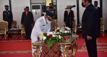 Pengambilan Sumpah Jabatan dan Pelantikan Bupati dan Wakil Bupati OKU Pilkada Serentak Tahun 2020 oleh Gubernur Sumatera Selatan
